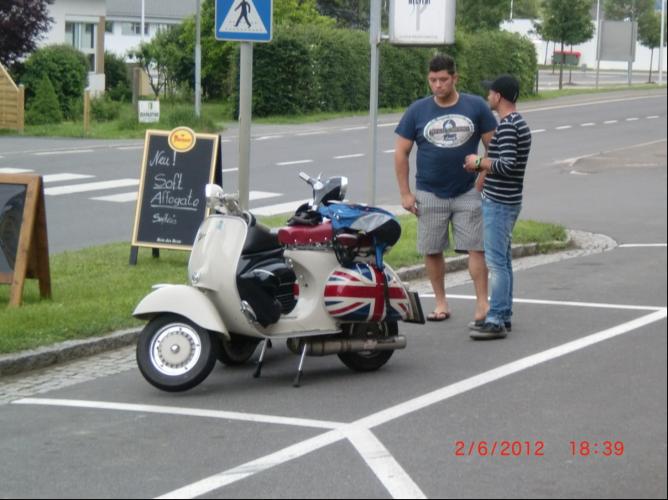 Ausfahrt 10 Jahre Vespaclub GU 2. Juni 2012 (41)